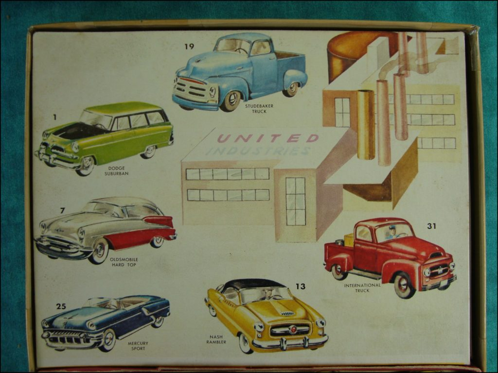 Brettspiel ; Board game ; Jeu de société ; 1955 ; Automobile Stand Up lotto ; Gabriel & Sons ; Studebaker ; Dodge ; Oldmobile ; Mercury ; Nash ; Rambler ; International Truck
