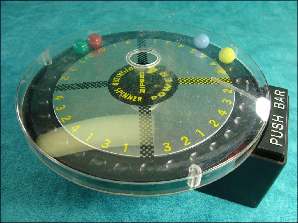Brettspiel ; Board game ; Jeu de société ; 1960 ; Power 4 car racing ; Zipees ;
