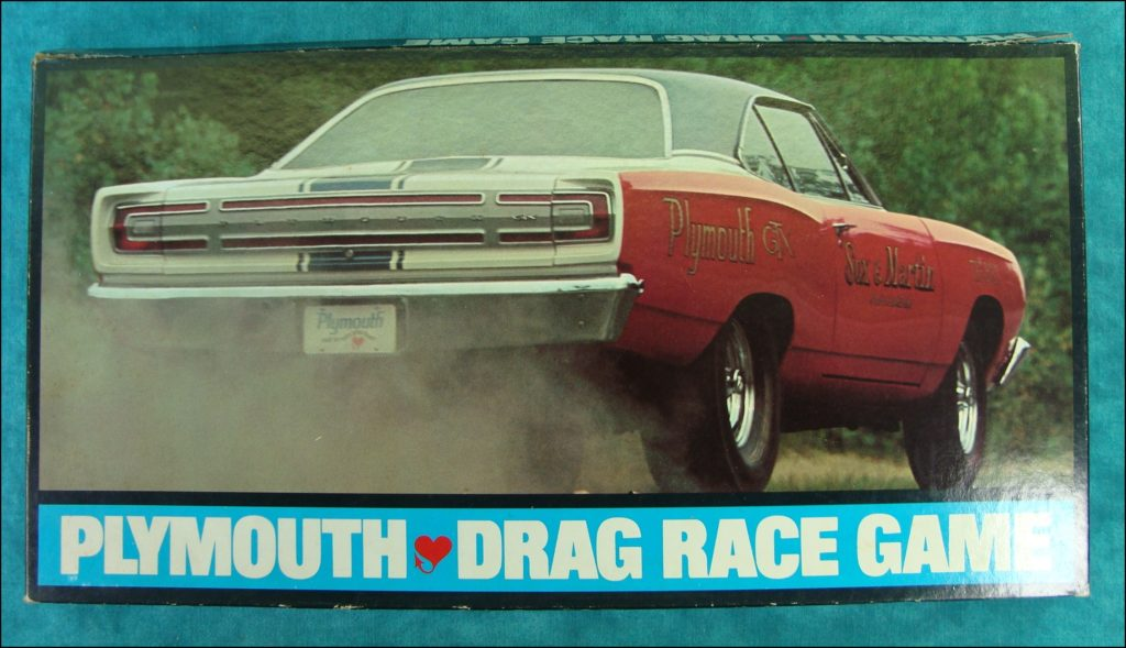 Brettspiel ; Board game ; Jeu de société ; 1968 ; Plymouth drag race ; Chrysler ; Buddy Martin ; Ronnie Sox ; Barracudas ; Road Runners ; Plymouth GTX ;