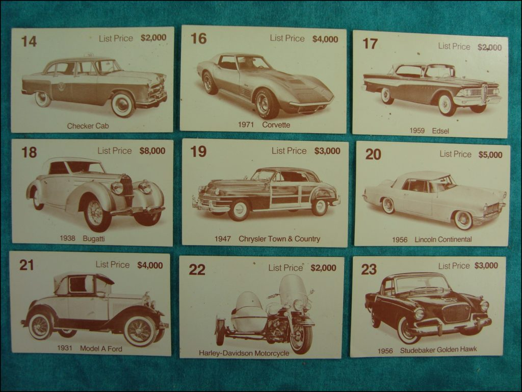 Brettspiel ; Board game ; Jeu de société ; 1972 ; Dealer's choice (Canada) ; Parker ; Checker Cab ; Chevrolet Corvette 1971 ; Edsel 1959 ; Bugatti 1938 ; Chrysler Town & Country 1947 ; Lincoln Continental 1956 ; Ford Model A 1931 ; Harley Davidson ; Studebaker Golden Hawk 1956 ;