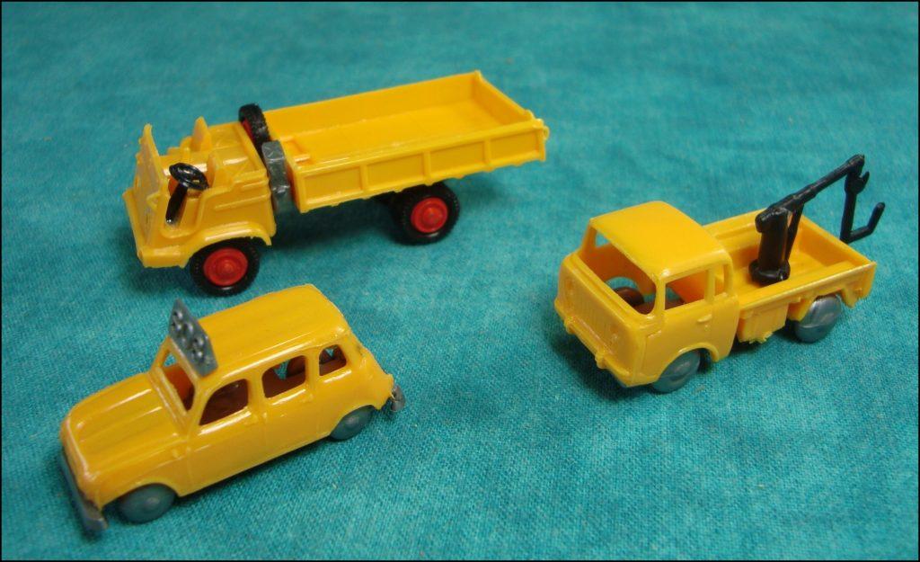 Brettspiel ; Board game ; Jeu de société ; 1978 ; Diagnostic ; Efka Toys ; Citroën 2 CV ; Citroën Ami 6 ; Fiat 124 ; Simca 1000 ; Renault 8 ; Fiat 850 ; Renault 4L ; camion Jeep Forward Control FC-150