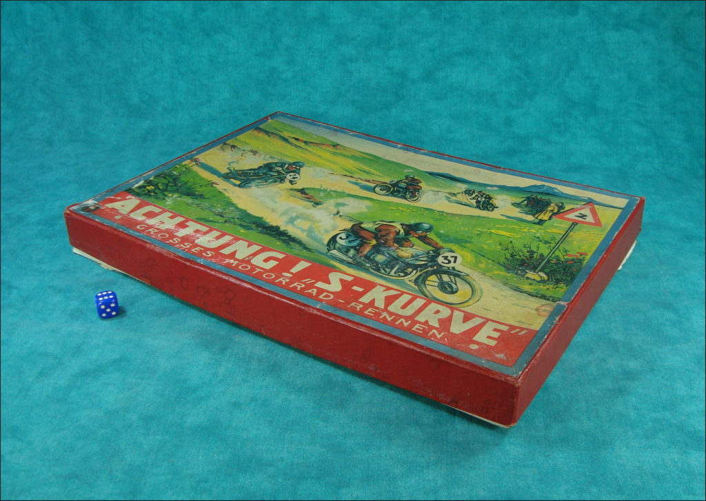 1940-50 ; Achtung S-Kurve ;  FSN ; Norton Manx ; vintage car-themed board game ; ancien jeu de société automobile ; Antikes Brettspiel Thema Automobil ;